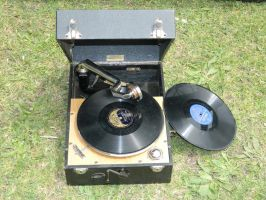 Wind-up Gramophone 001 - HB593200 by hb593200