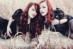 Twins by saniakhanphotography