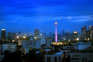 Monas at night by nooreva