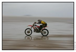 Beach Race by iswoolley