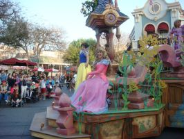 I enjoy Disneyland Soundsational Parade photo 5 by Magic-Kristina-KW