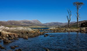 Loch Assynt by bongaloid