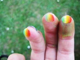 Rainbow fingers :D by MangoMalle