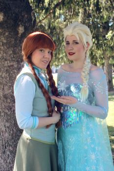 Anna and Elsa by Aires89
