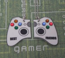 BEST FRIENDS Video Game Controller 2 Part Necklace by PlayBox-Designs