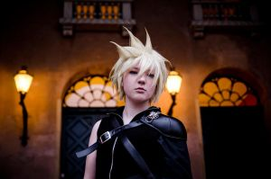 Cloud Strife by Honosuke
