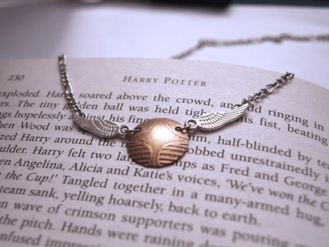 Golden Snitch necklace by Pia-CZ