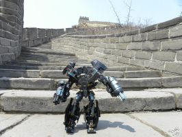 Ironhide On The Great Wall by Letohatchee