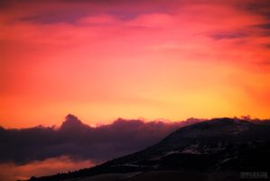 Red Sky at Night by entangle