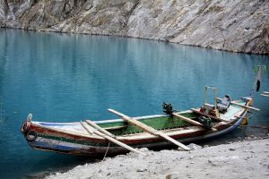 Attabad Lake - 3 by ZeeShiKing