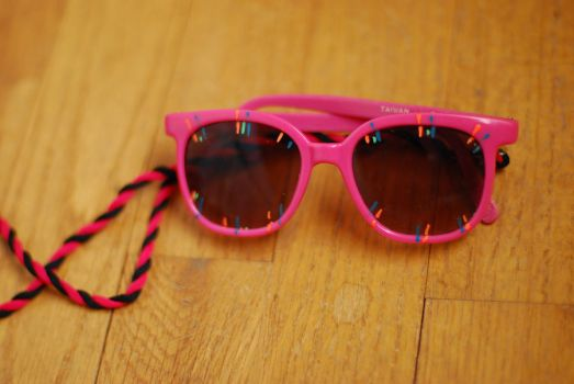 hot pink glasses by objekt-stock