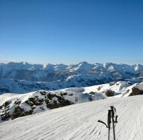 Skiing in Courchevel by Cattle