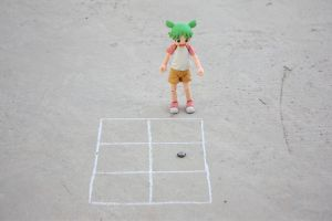 Yotsuba and hopscotch 2 by elheartista