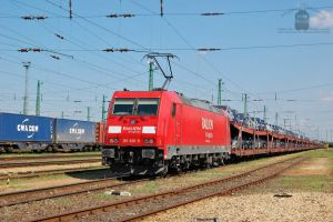 185 306 with a freight train in Hegyeshalom by morpheus880223