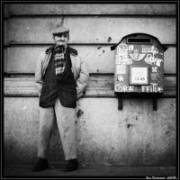 The old man and the letter box by Froudich