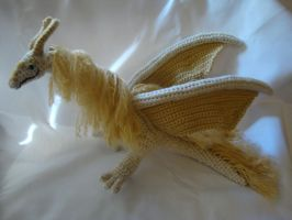 Rowan the Ivory and Gold Dragon by Moosetracks