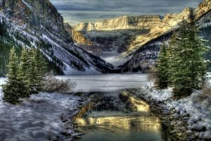 Lake Louise by La-Vita-a-Bella