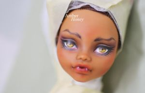 Clawdeen [second repaint] by Amber-Honey