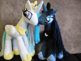 Princess Luna and Celestia Commission by NerdyKnitterDesigns