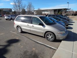 2003 Ford Windstar SE by TheHunteroftheUndead