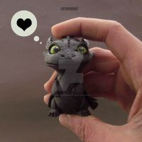 Toothless Handmade in my Hand :) by buzhandmade