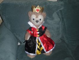 Shellie May dressed as the queen of hearts by PrincessCarol