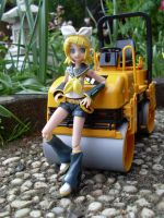 Rin and the Road Roller by Mako-chan89