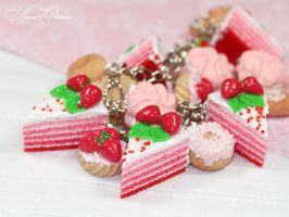 Strawberry cake by OrionaJewelry