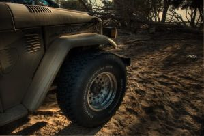 Old Land Cruiser by amai911
