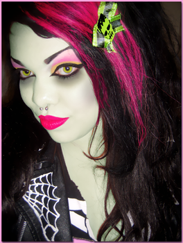 Madame Munster, Zombaaaabe by Trannsylvanian