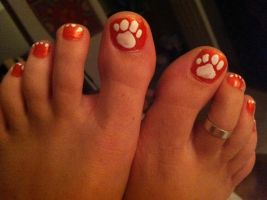 Tiger Toes by iluvsparkles