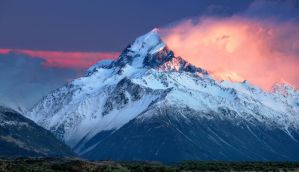 New Zealand - Mt. Cook / Aoraki Sunrise by Bakisto
