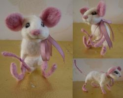 White Mouse Felt by Turtle-Duck