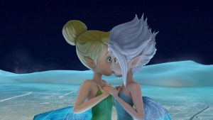tinkerbell y periwinkle beso 1 by tailsxamyporsiempre