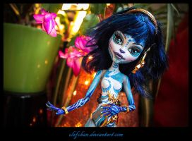 monster high ooak repaint : Senistra by clefchan