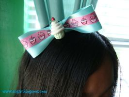 Strawberry Cupcake Bow by SugiAi