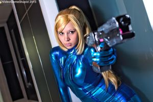 Katsucon 2015 - Zerosuit Samus(PS) 04 by VideoGameStupid