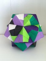 Sonobe Icosahedron by DaughterofBeast23