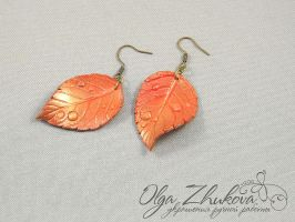 Autumn leaf earrings by polyflowers