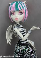 RO MH monster high repaint Rochelle portrait by phairee004