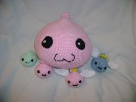 One big happy Poring family by Aidou
