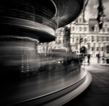 Moving around in Paris...2 by denis2