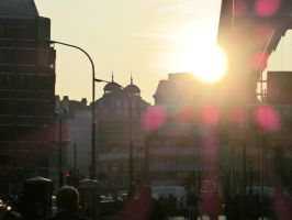 The Sun's setting down in London by SquigglyButterfly