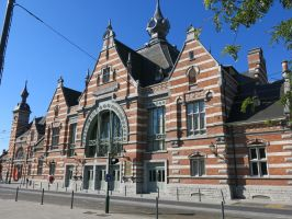Schaarbeek station, 021015 by kanyiko