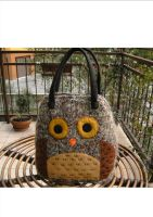 owl bag in light brown wool by lastregheria