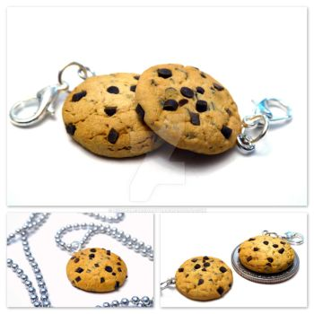 Chocolate Chip Cookie Charm by right2bearcharms