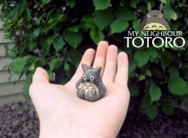 My Neighbor Totoro: Totoro by KillerKitteh