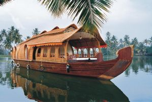 Alleppey Boat Houses - ToursToKerala.org by tourstokerala