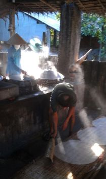 Rice Paper Making in Vietnam by dbz-fan-jess