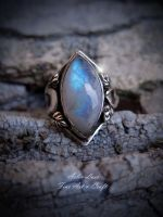 Solas an Airgid moonstone silver ring by Gwillieth